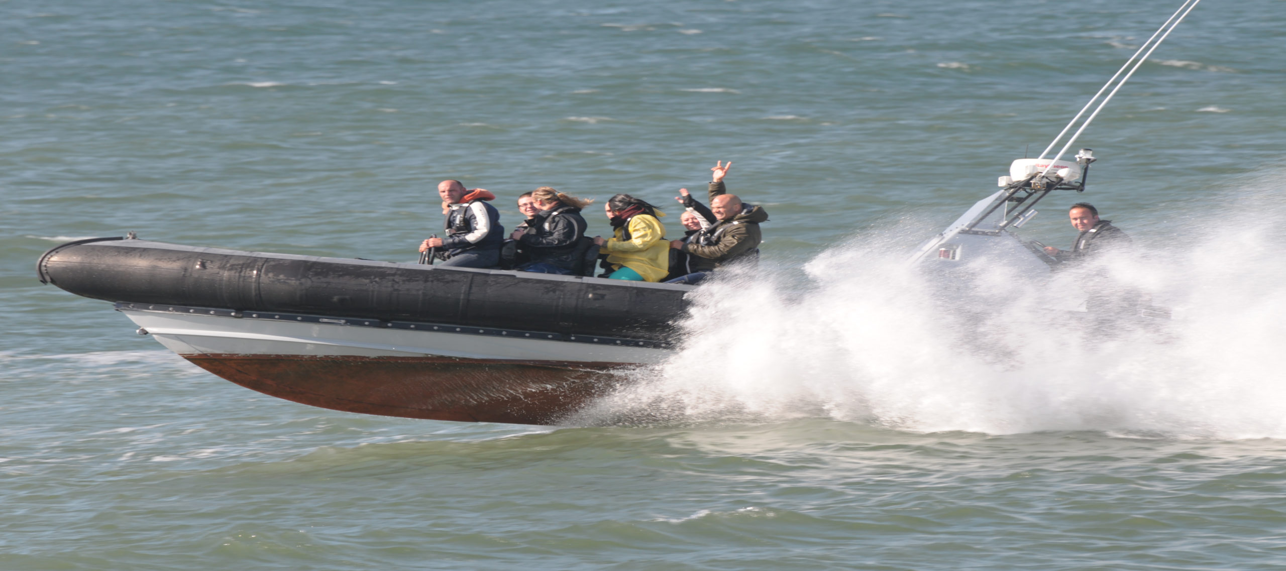 powerboat-2